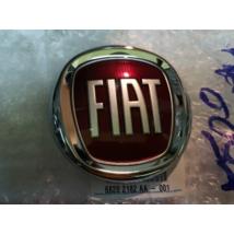 Fiat 500 hátsó Új embléma